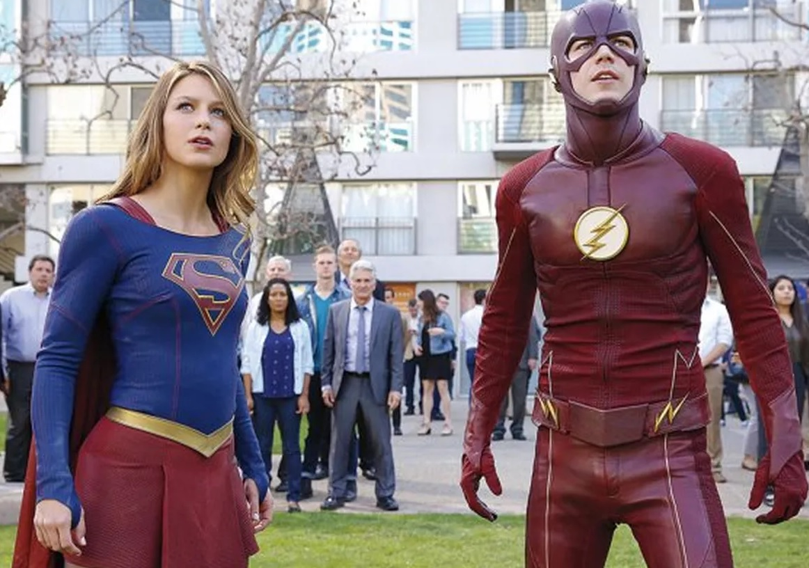 The Flash season 4 dan Supergirl season 3