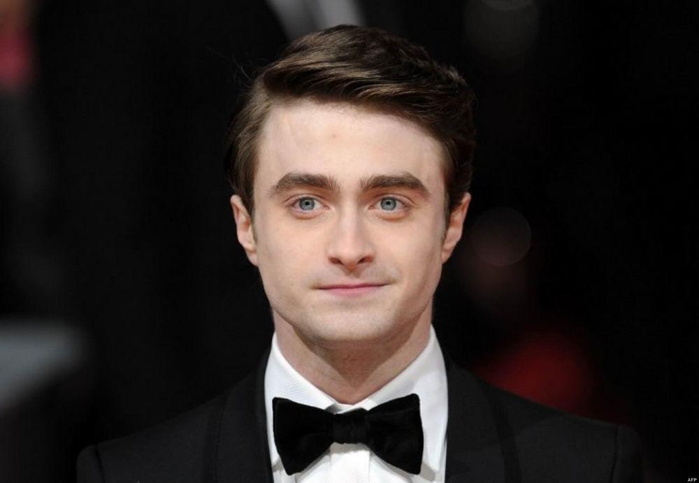 Daniel Radcliffe Jadi Underachieving Angel Di Serial MIRACLE WORKERS
