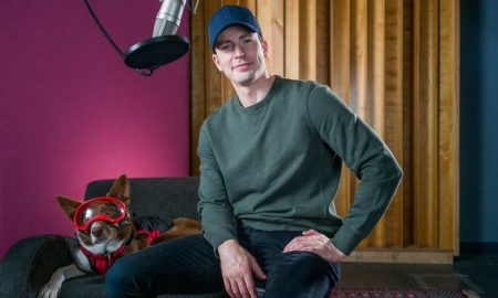 Bintang Avengers - Chris Evan Jadi Narator Film Dokumenter SUPERPOWER DOGS