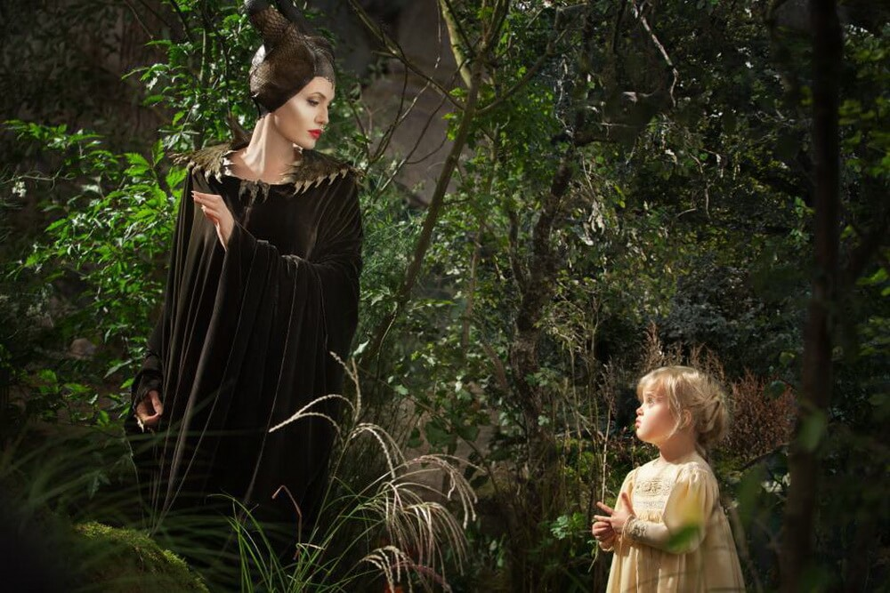 Angelina Jolie vs Michelle Pfeiffer Dalam Film 'Maleficent: Mistress of Evil'