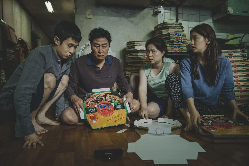 """Parasite"" Menghantarkan Bong Joon-ho Sutradara Korea Pertama Peraih Palme d'Or ("