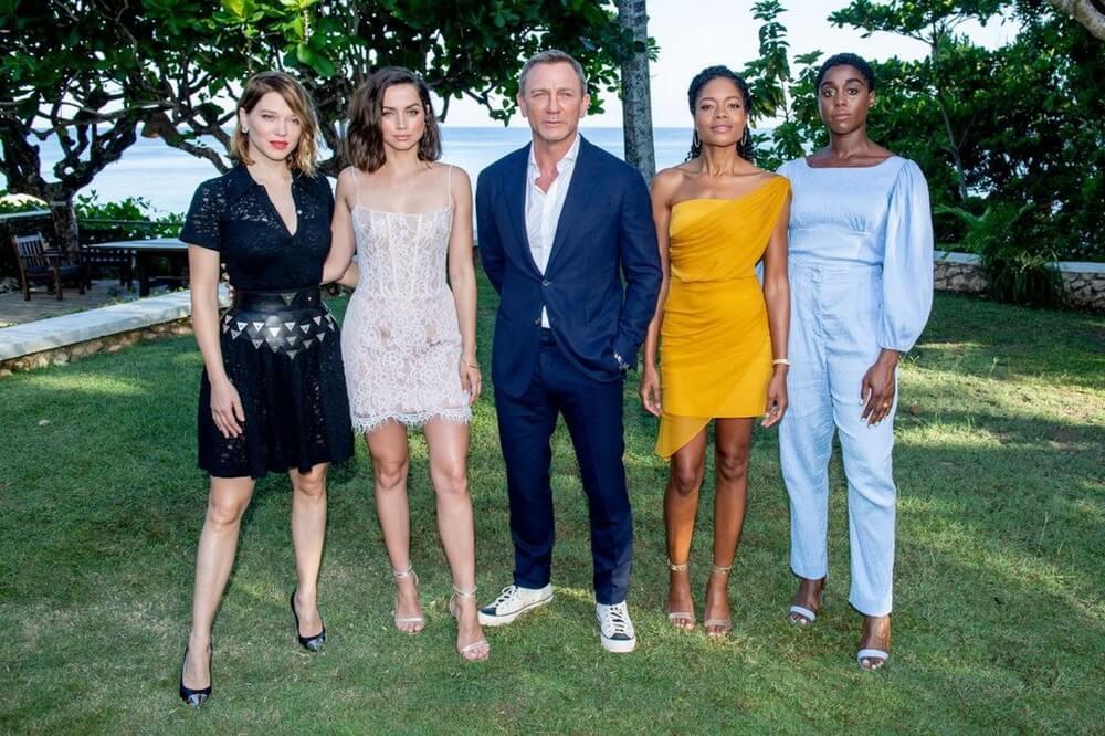 Jadi Aksi Terakhir, Simak Foto Resmi Daniel Craig di Bond 25