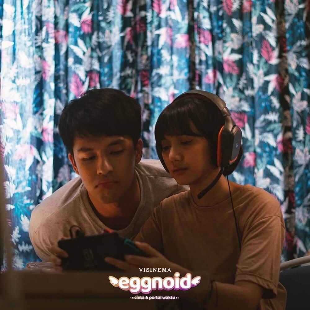 """Romantis! Morgan Oey dan Sheila Dara di Teaser """"Eggnoid"""""""
