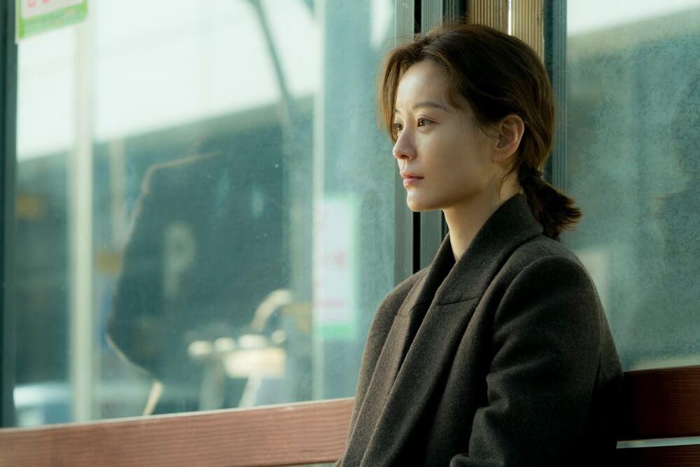 """""""Kim Ji-young: Born 1982"""" Pasangkan Gong Yoo dan Jung Yu Mi"""