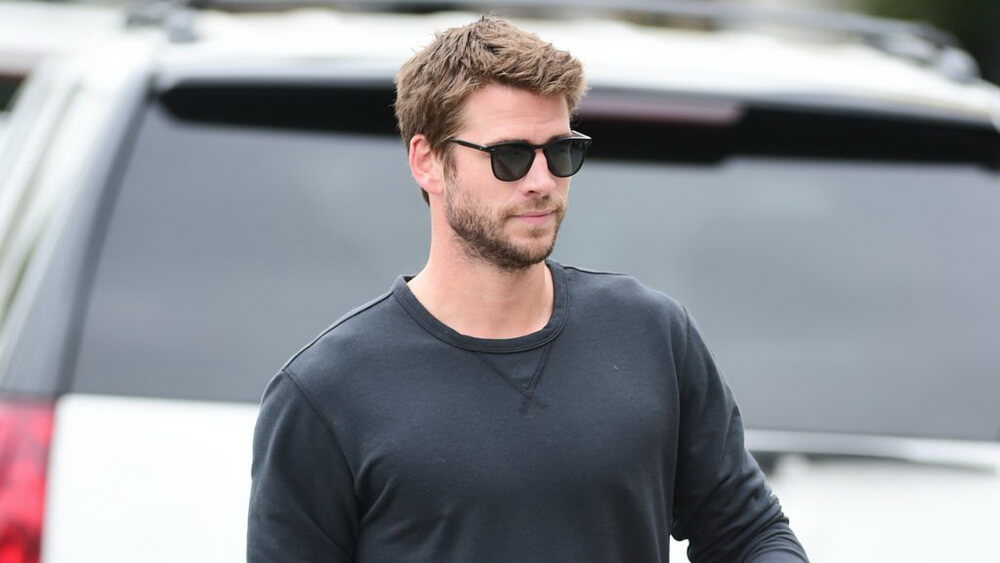 """Liam Hermsworth Bintangi Serial Terbaru """"Dodge & Miles"""""""