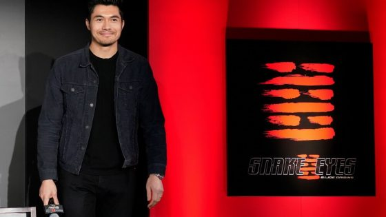 "First Look Henry Golding di Film ""Snake Eyes"""