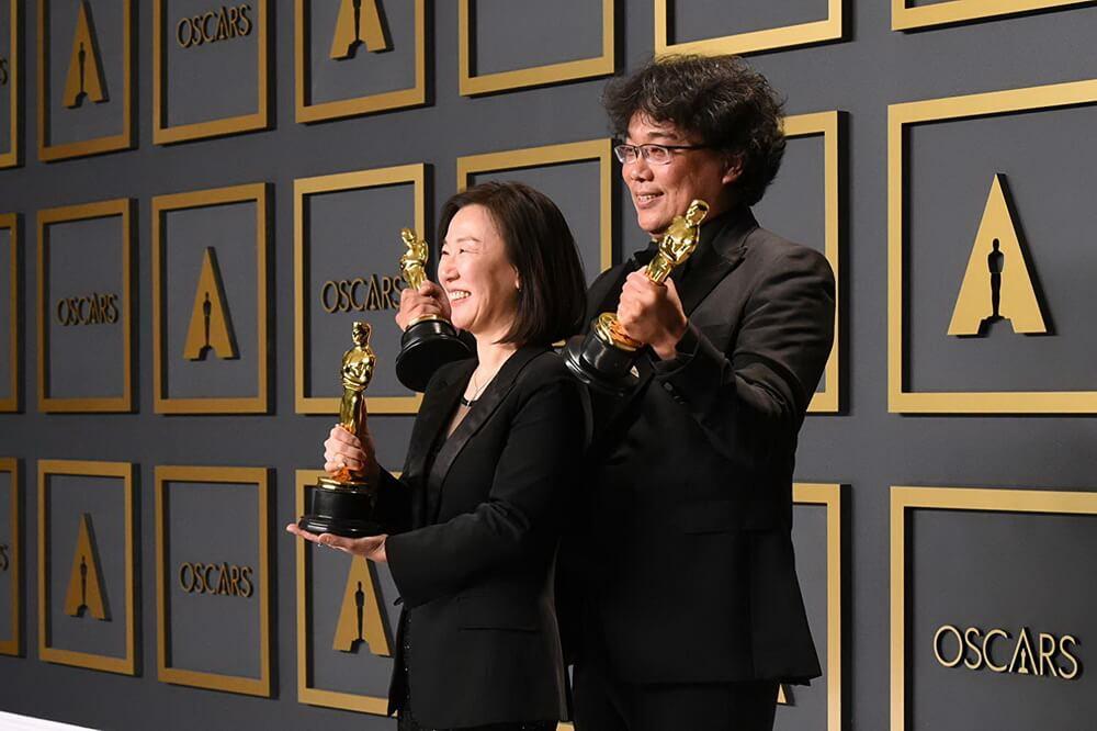 """Kejutan Besar! """"Parasite"""" Boyong Empat Piala Oscar"""