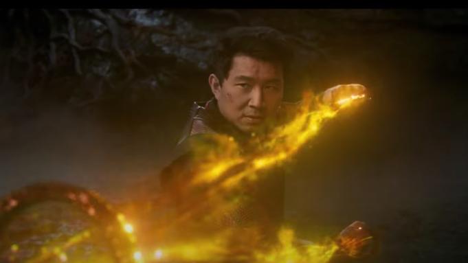 Simu Liu dalam Shang-Chi and the Legend of the Ten Rings