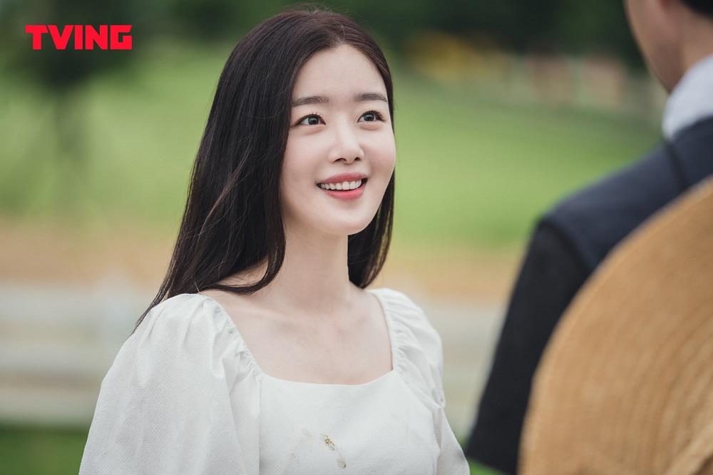 """Han Sun Hwa sebagai Han Ji Yeon dalam """"City Girl Drinkers"""""""